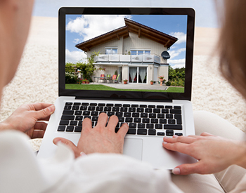 what-to-look-for-when-browsing-home-listings-online